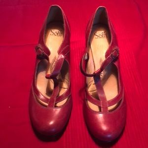 Red vintage style heels Soffe brand. Size 12